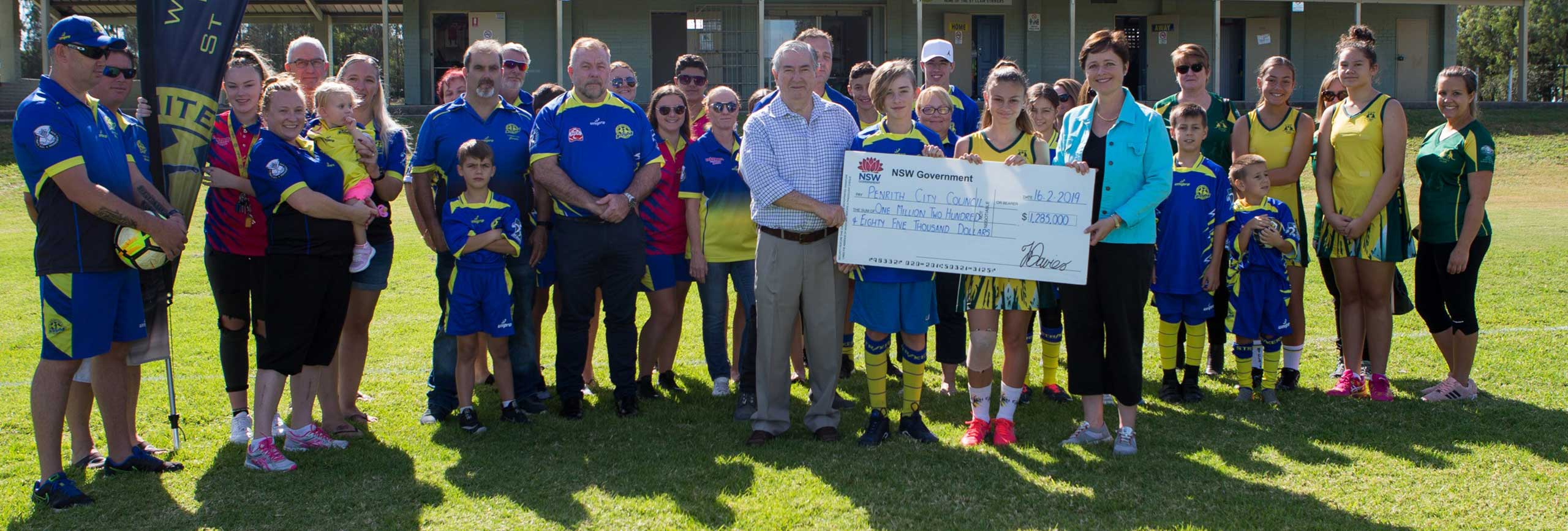 Penrith Mayor Ross Fowler OAM and Member for Mulgoa Tanya Davies with St Clair Soccer and St Clair Netball club committee members and volunteers.