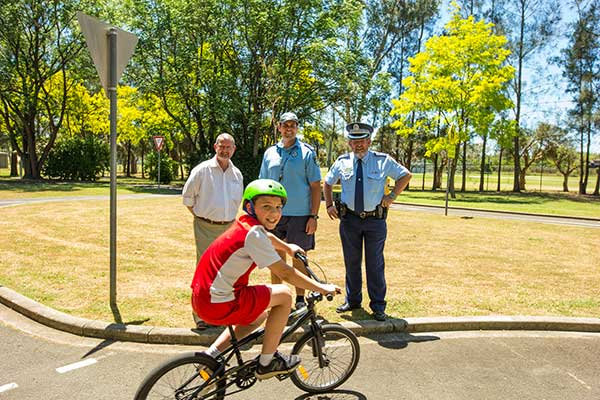 Penrith City Council Mayor John Thain with Police Officers